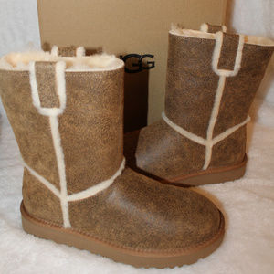 UGG BOMBER LEATHER SPILL SEAM BOOTS CHESTNUT